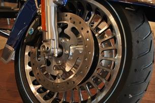 オートバイ 前輪 FYI00335826