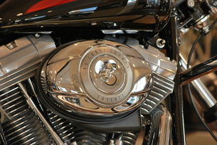 オートバイ エンジンのアップ FYI00335833