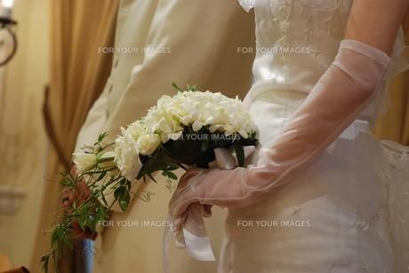 花嫁の握る花束 FYI00361527