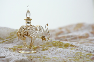 ゾウの香水入れ FYI00364320