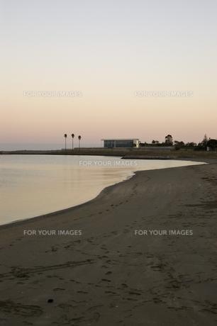 海辺の夕焼け FYI00382147