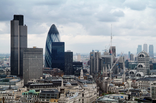 シティオブロンドンの高層ビル群 FYI00382312