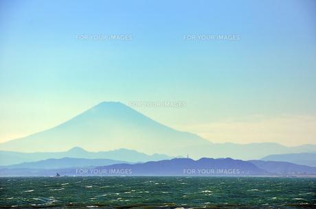 江ノ島 稚児ヶ淵から見える富士山 FYI00385117