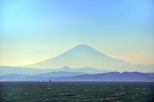 江ノ島 稚児ヶ淵から見える富士山 FYI00385120
