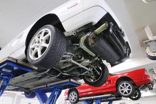 車の整備 FYI00390105
