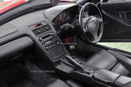 オープンカーの運転席 FYI00390515