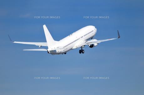 離陸した旅客機 FYI00390742