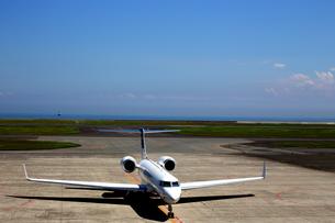 空港のジェット機 FYI00408002