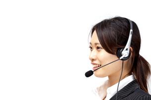 オペレーター コールセンター ビジネス 女性スタッフ フレッシュ コピースペース FYI00410494