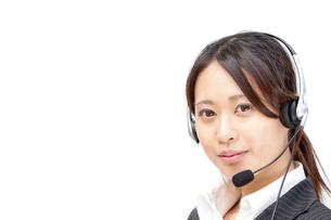 オペレーター コールセンター ビジネス 女性スタッフ フレッシュ コピースペース FYI00410498