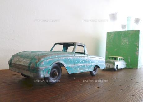 おもちゃの車 FYI00421282