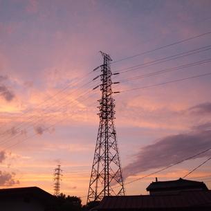 鉄塔と夕景 FYI00421504