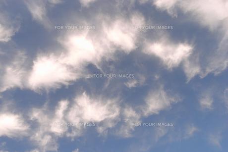 青空に雲 FYI00421772