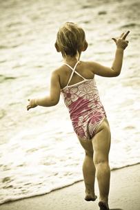 ビーチにて FYI00422526