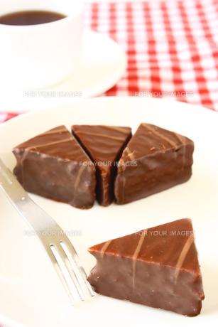 チョコレートケーキと紅茶 FYI00429189