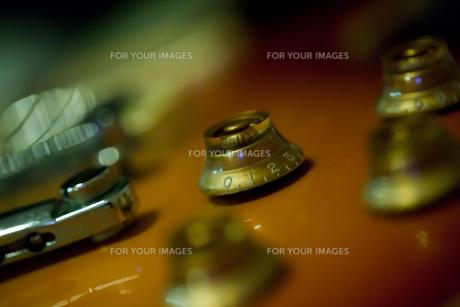 エレキギターのアップ FYI00429884