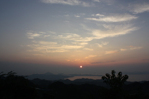 太陽の静かな灯火 FYI00430035