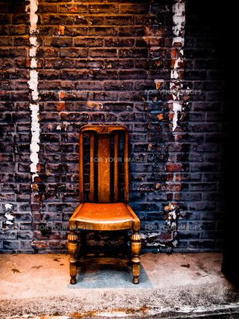 煉瓦と椅子 FYI00430562