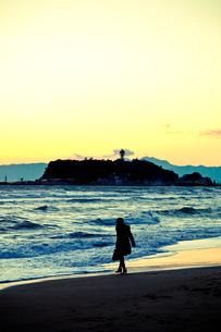 夕暮れの江ノ島 FYI00430617
