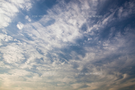 background[cirrostratus_sky]_010 FYI00446822