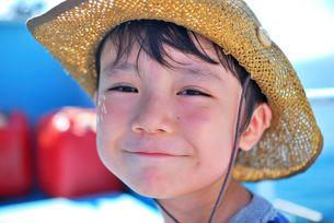 笑顔の子供 FYI00448757