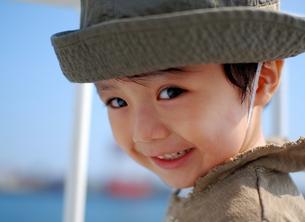 海と子供 FYI00448791