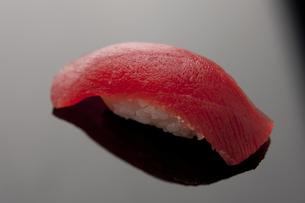 にぎり寿司 マグロ FYI00457268