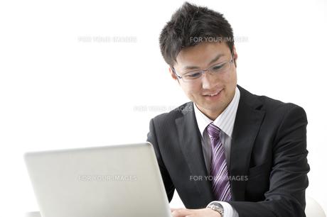 20代のビジネスマン FYI00460000