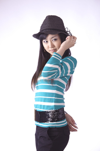 帽子をかぶった キュートな女の子の素材 [FYI00461383]