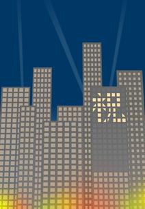 窓明かりで表示した祝の文字があるビル街 FYI00466248