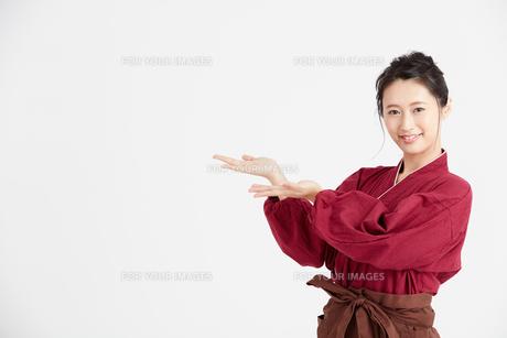 作務衣を着た女性 FYI00466400