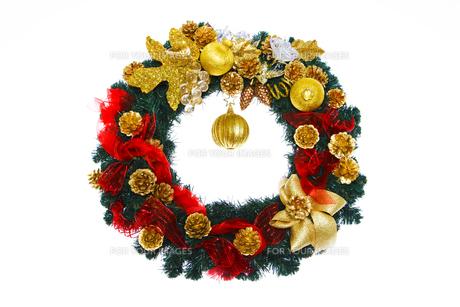 金色と赤のクリスマスリース FYI00469487