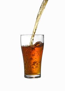 グラスに注がれる紅茶 FYI00470727