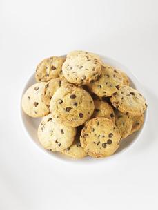 お皿に置いたクッキーの集合 FYI00470771