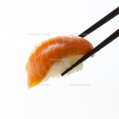 寿司と箸 FYI00471154