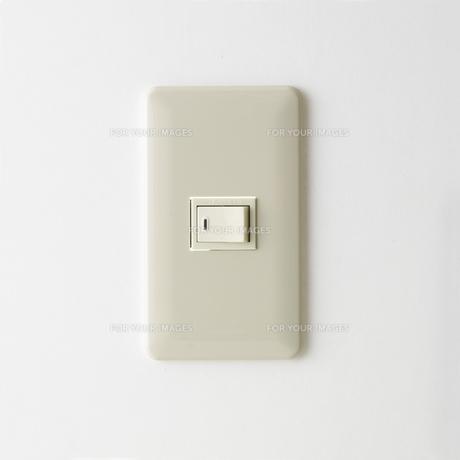 正面から見た電気スイッチ FYI00471161