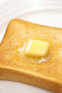 バターののったトースト FYI00476180