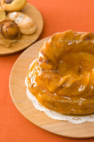 ホールのアップルパイと焼き菓子 FYI00480029