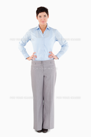 Serious businesswoman standing upの素材 [FYI00484650]