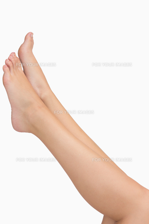 Woman stretching legs FYI00486735