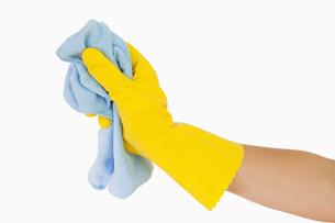 Hand using rag FYI00486737