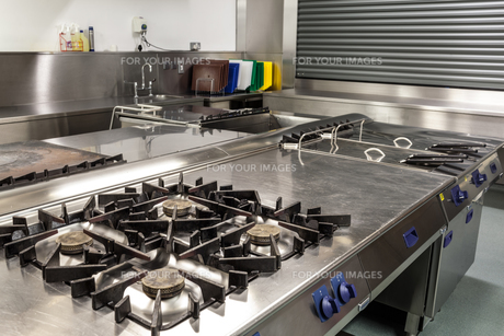 Picture of professional kitchen FYI00486803