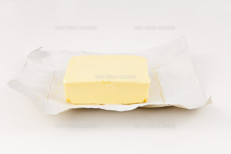 Open pat of butter FYI00487426