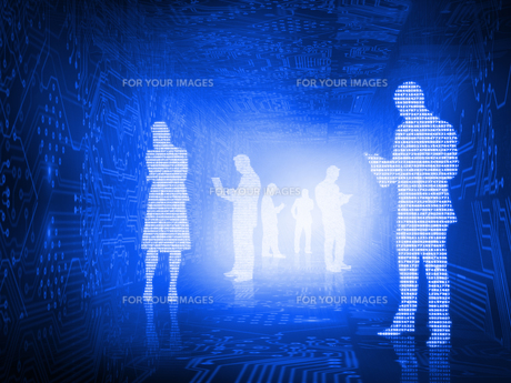 Glowing silhouettes of business people FYI00488067
