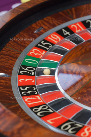 Roulette wheel stopping FYI00488903