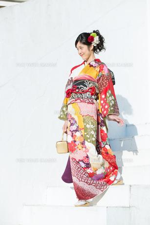 赤い振袖の女性 Fyi00489977 気軽に使える写真イラスト素材