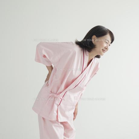 腰痛の患者 FYI00491244