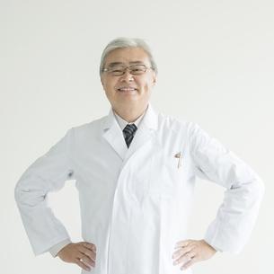 微笑む医者 FYI00491388