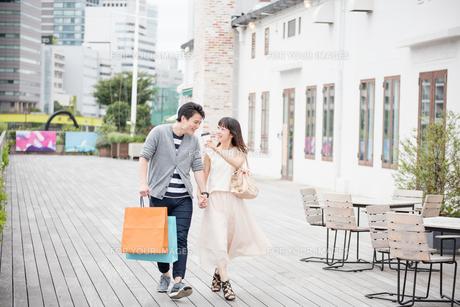 デートをするカップル FYI00491676