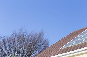 屋根と空 FYI00497320